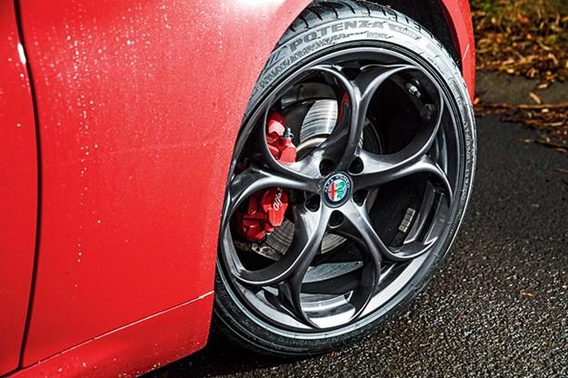 Alfa-Romeo-Giulia-wheels.jpg