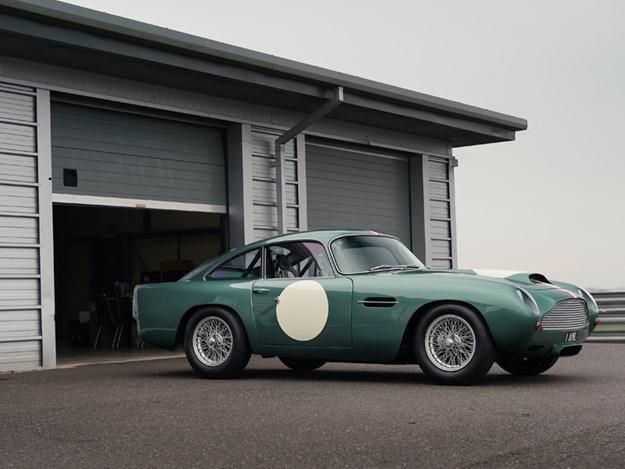 Aston-Martin-continuation-DB4.jpg