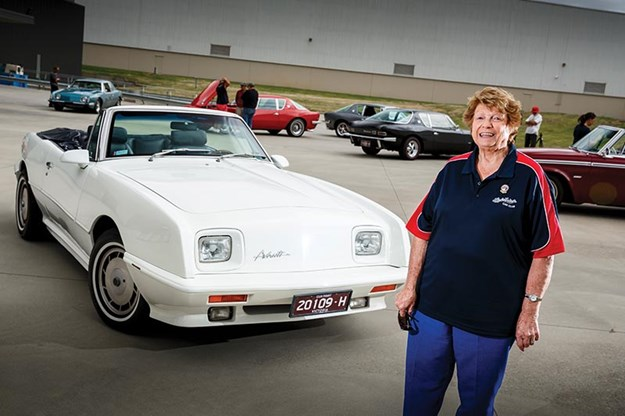 studebaker-avanti-roadster-2.jpg