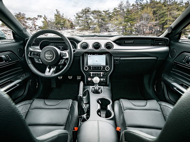 Bullitt-Mustang-interior.jpg