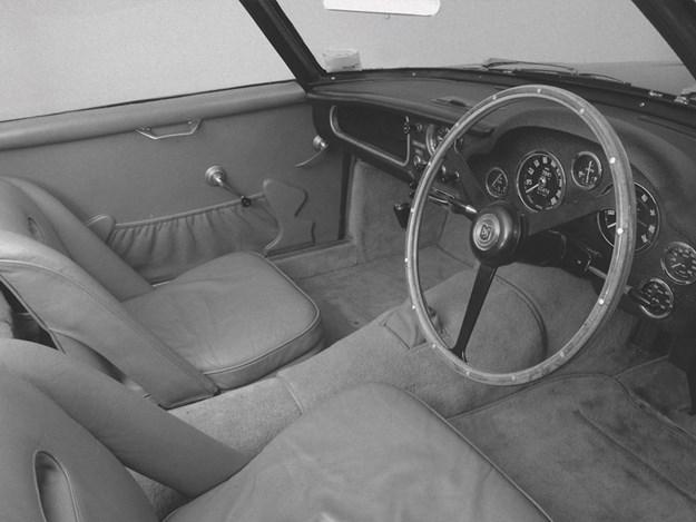 DBZ-Century-Collection-DBS-GT-Zagato-interior.jpg