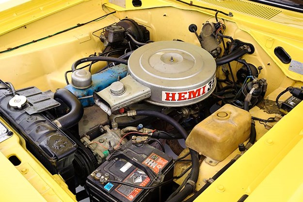 chrysler-valiant-hemi-engine-bay.jpg