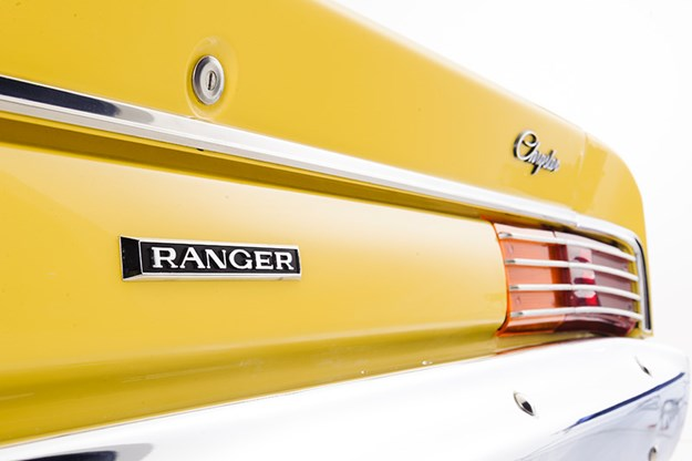 chrysler-valiant-ranger-badge.jpg