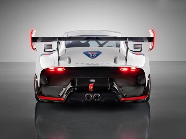 Porsche-935-rear.jpg
