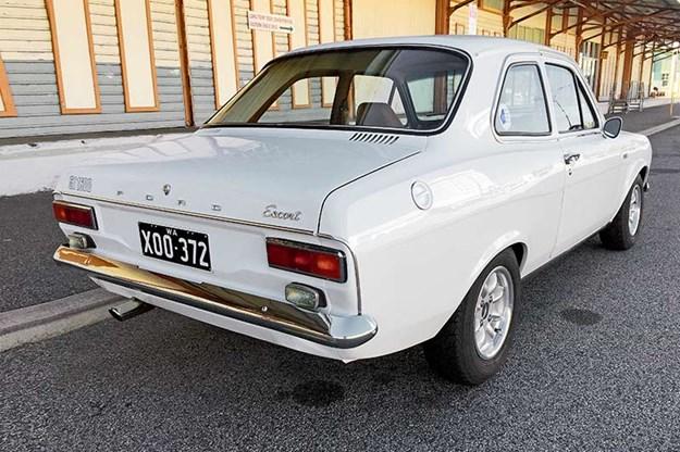 ford-escort-resto-9.jpg