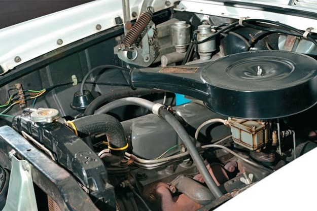 holden-fb-ek-engine-bay.jpg