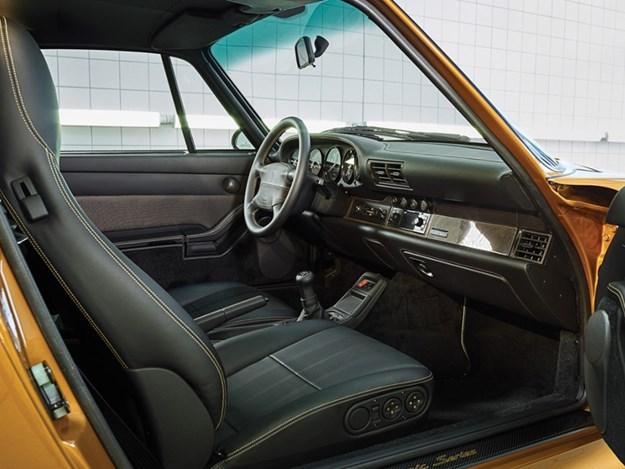 Porsche-70-Gold-Series-993-interior.jpg