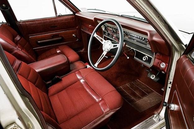 ford-fairlane-500-zd-interior.jpg