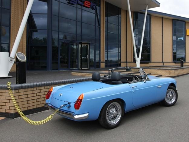 RBW-electric-classic-cars-MGB-rear.jpg