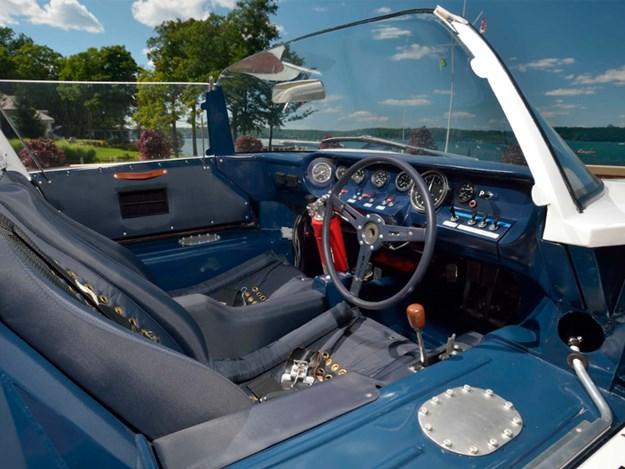 Ford-GT40-Roadster-interior.jpg
