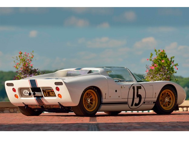 Ford-GT40-Roadster-rear.jpg