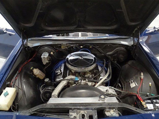 HQ-Ute-Vegas-engine.jpg
