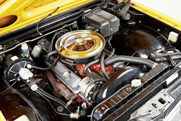 holden-monaro-ht-engine-2.jpg