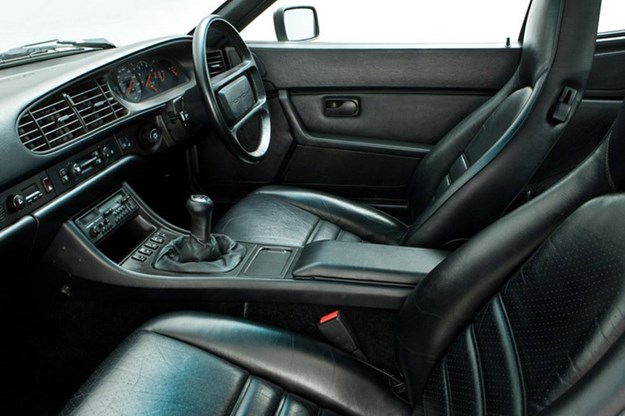 porsche-944-interior.jpg
