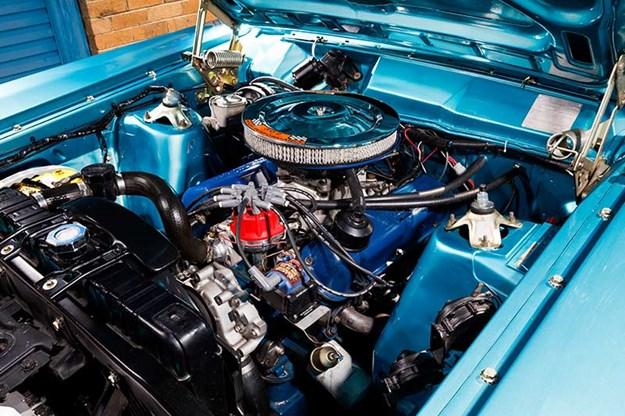 ford-falcon-engine-bay-2.jpg