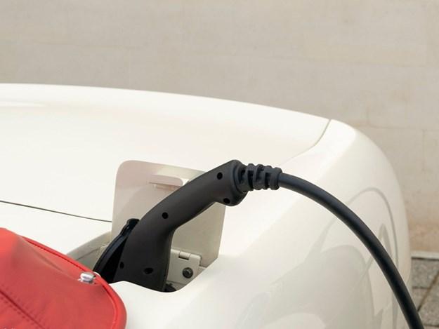 Aston-Martin-Cassette-EV-charging.jpg