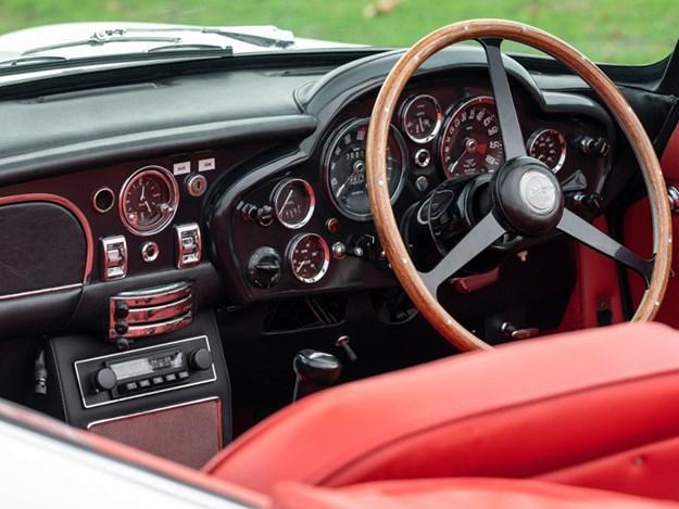 Aston-Martin-Cassette-EV-interior.jpg