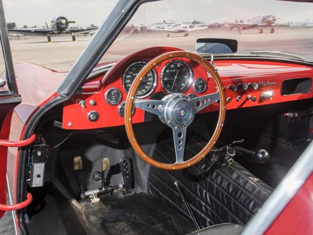 Alfa-Romeo-ATL-interior.jpg