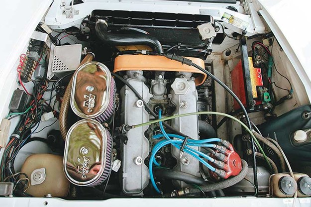 fiat-124-spyder-engine-bay.jpg