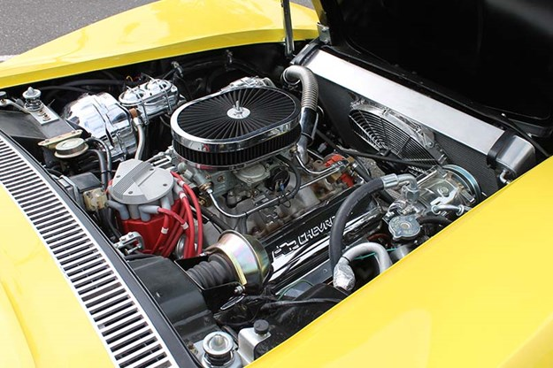 corvette-c3-stingray-engine-bay-2.jpg