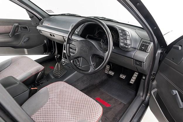 holden-vn-ss-interior.jpg