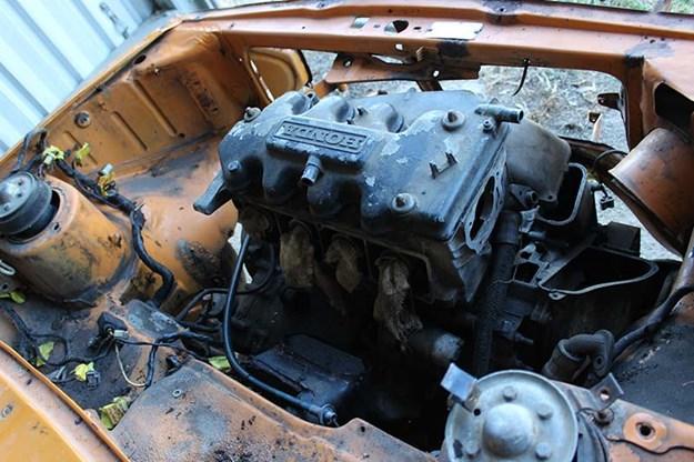 honda-resto-engine-bay.jpg