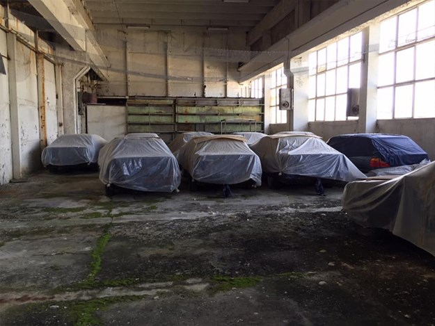 BMW-E34-Barn-Find-group-covers.jpg