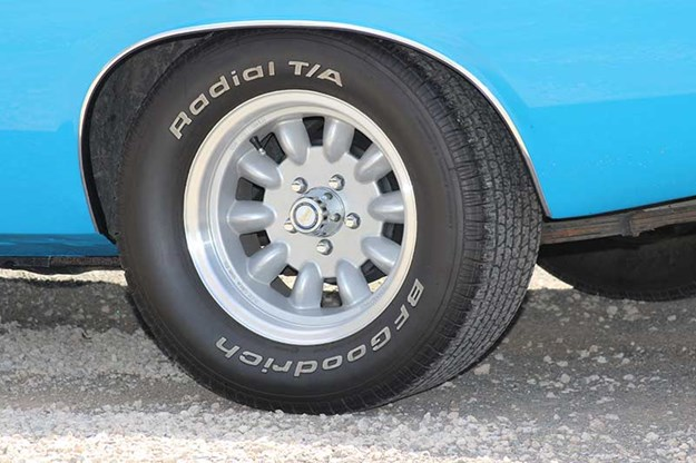 chrysler-valiant-charger-wheel-2.jpg