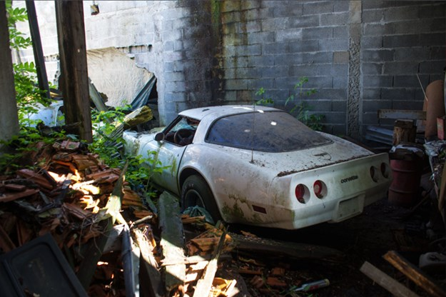 81-car-barn-find-C3-Corvette.jpg