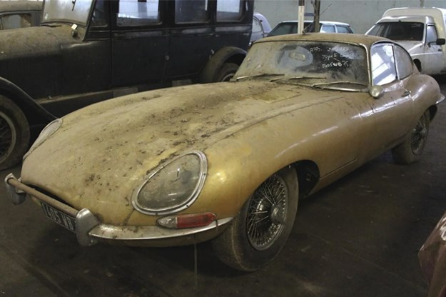 81-car-barn-find-Etype.jpg