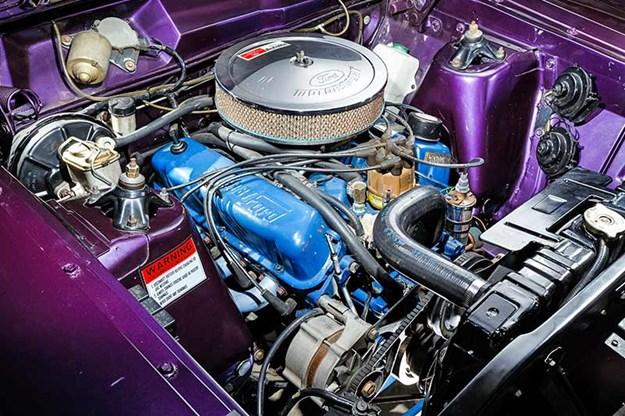 ford-xy-falcon-engine-bay-2.jpg