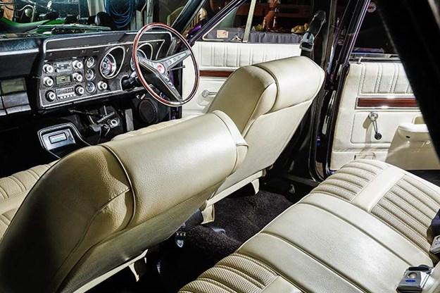 ford-xy-falcon-interior.jpg