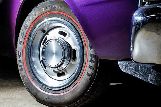 ford-xy-falcon-wheel.jpg