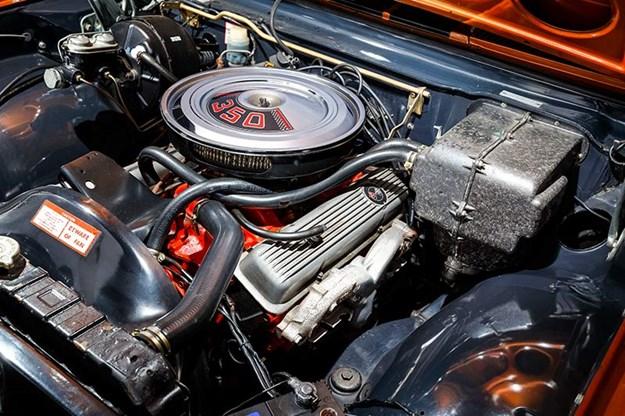 holden-monaro-engine-bay.jpg
