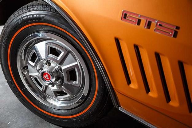 holden-monaro-gts-wheel.jpg
