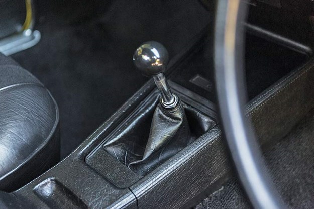 holden-sandman-gearstick.jpg