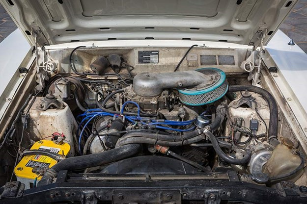ford-falcon-engine-bay.jpg