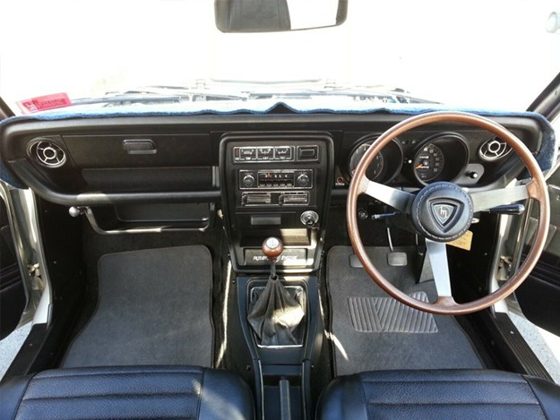 Mazda-RX3-interior-dashboard.jpg
