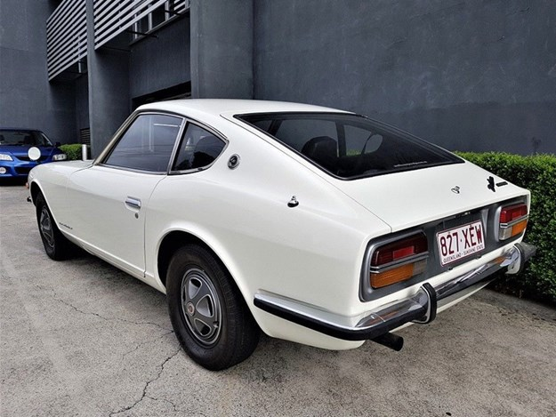 Datsun-240Z-on-eBay-rear-quarter.jpg