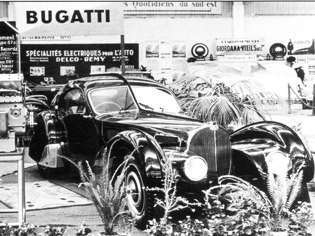 Bugatti-Atlantic-black-car-NICE-motor-show.jpg