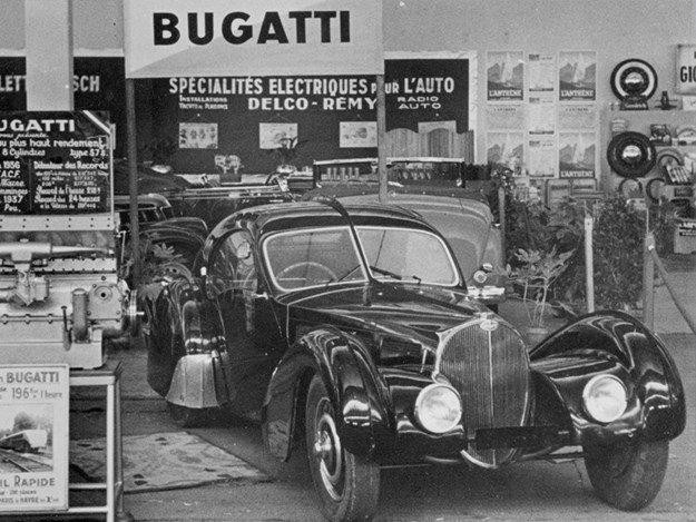 Bugatti-Atlantic-black-car-motor-show.jpg