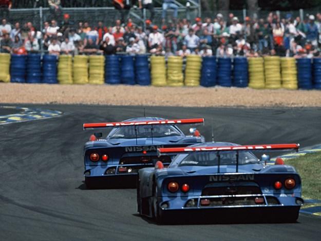 Nissan-R390-race-1998.jpg