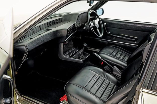 bmw-e24-interior.jpg