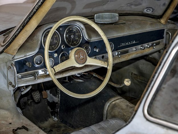 Barn-find-300SL-chassis-43-interior.jpg