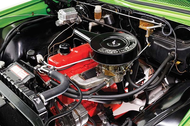 holden-hq-engine-bay.jpg
