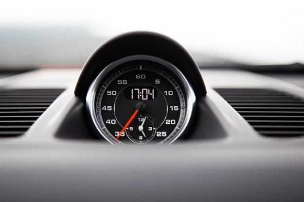porsche-911-gauge.jpg