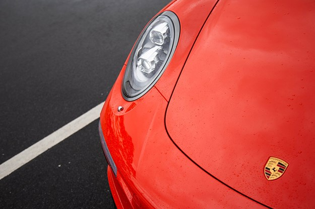 porsche-911-headlight.jpg