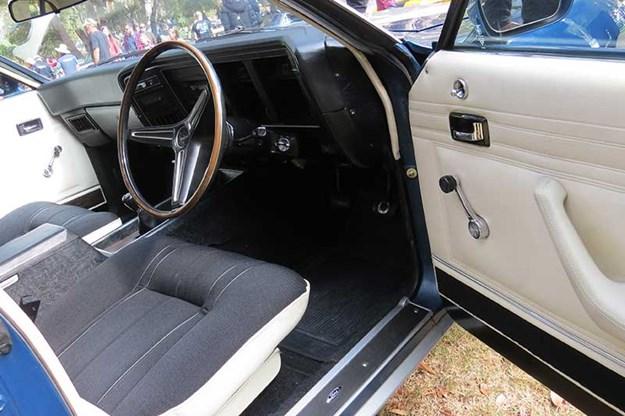 ford-falcon-xb-gt-interior.jpg