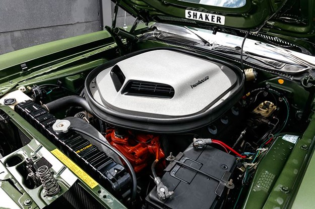 plymouth-cuda-engine-bay.jpg