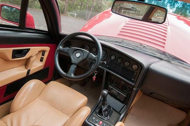 alfa-romeo-sz-interior.jpg